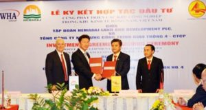 Officials of Thailand's Hemaraj Pcl. and Vietnam's state-run construction company Cienco 4 sign an investment agreement on developing industrial parks at the Dong Nam Economic Zone in Nghe An Province on May 4, 2016. Photo credit: Nghe An Province's websiteOfficials of Thailand's Hemaraj Pcl. and Vietnam's state-run construction company Cienco 4 sign an investment agreement on developing industrial parks at the Dong Nam Economic Zone in Nghe An Province on May 4, 2016.