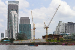 Liebherr cranes on IconSiam project